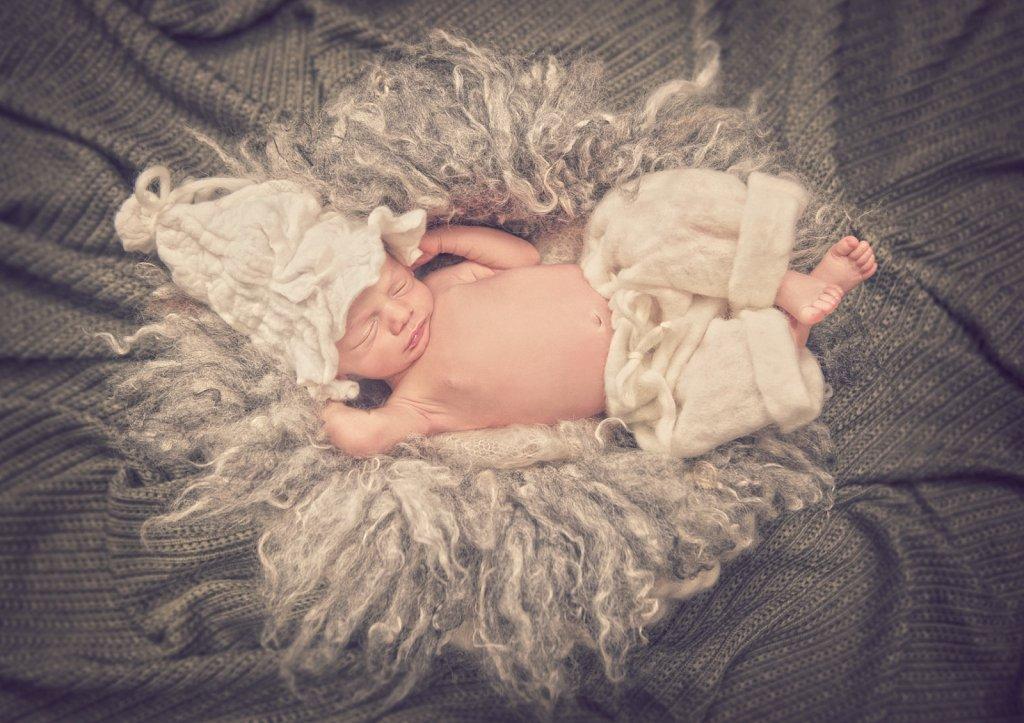 Newborn-0097.jpg
